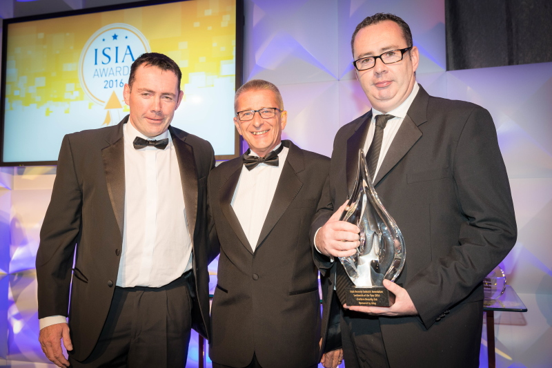 Abloy UK presents ISIA locksmith of the year award to Crothers Security