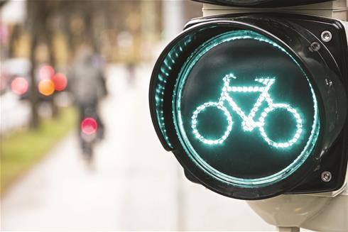 The system sensors can distinguish between vehicles and cyclists
